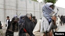 طالبانو د افغان حکومت د سولې د وړاندیز په اړه تراوسه خپل دریځ نه دی څرګند کړی.