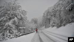 El Servicio Nacional de Meteorología de Estados Unidos pronostica acumulaciones de nieve de hasta 30 centímetros en gran parte del país esta semana.