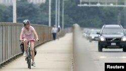 La promoción del uso de bicicletas para conocer la ciudad de Washington, es una alernativa de bajo costo y para toda la familia.