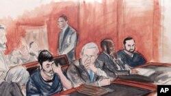 El juicio se realizó con la presencia del agente de la DEA a cargo del caso, Sandalio González, quien arrestó a los dos venezolanos, comenzó el pasado 7 de noviembre, un año después de que los acusados fueran detenidos en Haití y llevados casi inmediatamente a Estados Unidos. Archivo de la corte, Efraín Antonio Campo Flores, sentado segundo a la izquierda, hablando con sus abogados.