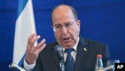 Bộ trưởng Quốc phòng Israel Moshe Yaalon đổ lỗi cho giới lãnh đạo Hamas ở dải Gaza đã gây ra tình trạng bạo động leo thang.