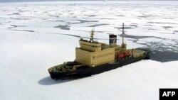 В Охотском море спасают «Содружество»