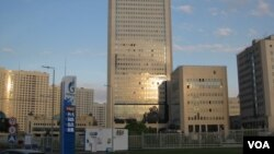 莫斯科的天然氣工業公司大樓。(美國之音白樺攝)