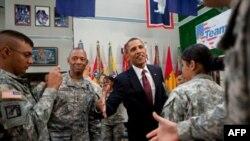 Президент Обама с военнослужащими Форт-Блисса