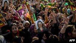 库尔德武装庆祝对伊斯兰国据点发动更大规模进攻