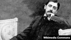 پروست در سال ۱۹۲۲ بر اثر سینه پهلو درگذشت و در گورستان پرلاشز دفن شد.