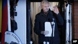 Julian Assange amenazó con difundir el año entrante en WikiLeaks más de un millón de nuevos documentos secretos.