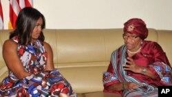 Matar shugaban Amurka Michelle Obama da Shugabar Liberiya Ellen Johnson Sirleaf