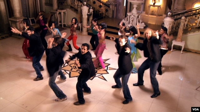 A scene from Big In Bollywood.