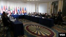 Ông John Kerry chiều ngày 23/9 gặp gỡ những người đồng cấp ASEAN tại New York.