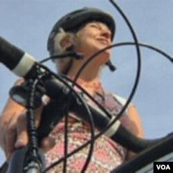 Suzane Ellen takođe biciklom na radno mjesto