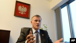 El fiscal Andrzej Pozorski habló en una entrevista con AP en Varsovia Polonia, el lunes, 13 de marzo, de 2017.