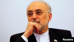 Ali Akbar Salehi, jefe de la Organización de Energía Atómica de Irán, dice que Irán está operado centrífugas que permiten el procesamiento de uranio más rápido.