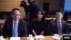 미국에 망명한 북한 노동당 39호실 고위 간부 출신 이정호 씨(왼쪽부터)와 딸 이서현 씨, 아들 이현승 씨.