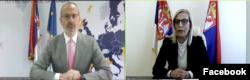 Šef delegacije Evropske unije u Srbiji Sem Fabrici i ministarka pravde Srbije Maja Popović tokom onlajn konferencije upriličene povodom donacije EU Srbiji u okviru pomoći za Poglavlje 23 u pregovorima sa EU (Foto: Fejsbuk stranica EU u Srbiji)