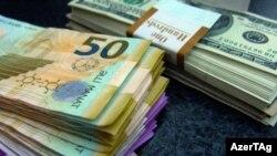 Azərbaycan manatı və ABŞ dolları