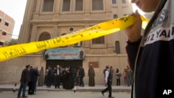 29일 이집트 카이로 남부 헬완 지역의 마르 미나 콥트 교회에서 총격이 발생해 적어도 10명이 사망했다.