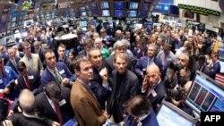 Bien tregjet e aksioneve në Shtetet e Bashkuara dhe Evropë