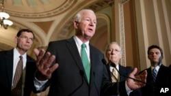 Legisladores republicanos han pedido una investigación sobre el canje del sargento por cinco talibanes.