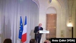 İçişleri Bakanı Gerard Collomb