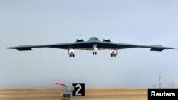 미 공군 지구권타격사령부 소속 B-2 전락 폭격기. 미군은 지난 3월 한국과의 연례합동군사훈련에 B-2 폭격기를 파견했다. (자료사진)