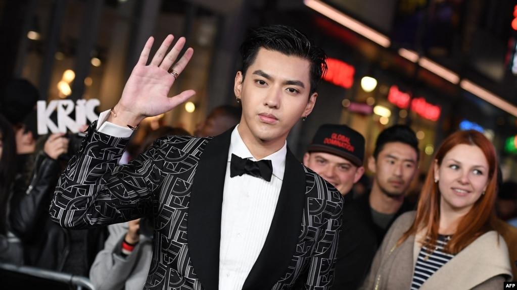 资料照:中国知名艺人吴亦凡在洛杉矶出席一部电影的首映式。(2017年1月19日)(photo:VOA)
