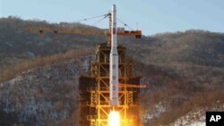 북한이 지난달 12일 발사한 '은하3호' 장거리 로켓.
