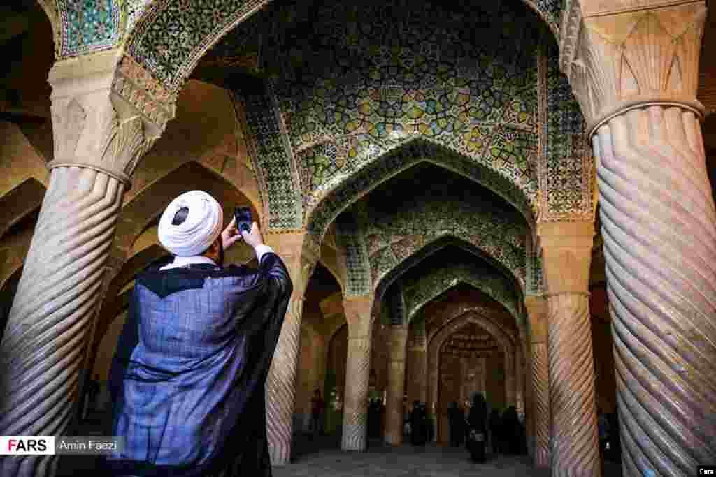 مسافران نوروزی شیراز، بهار ۹۶ . عکس: امین فائضی