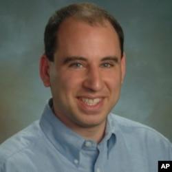 加州圣塔克拉拉大学法学院教授埃利克.哥尔德
