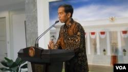 Presiden terpilih Joko Widodo saat memberikan keterangan di hadapan pers, di kantor Presiden, Merdeka Barat, Jakarta (Foto: VOA/Andylala)
