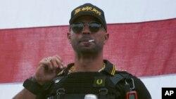 Enrique Tarrio, le chef des Proud Boys, lors d'un rassemblement à Portland, Oregon le 26 septembre 2020.