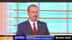 Ambasador Sjedinjenih Država Entoni Godfri tokom gostovanja u jutarnjem programu TV Prva, u Beogradu, 19. maja 2020. (Foto: Screen shot)