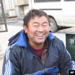 北韓使館附近的修鞋匠