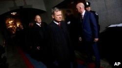 """""""Tenemos candidatos espectaculares y escogeremos a un candidato verdaderamente genial para el Tribunal Supremo"""", dijo Trump."""