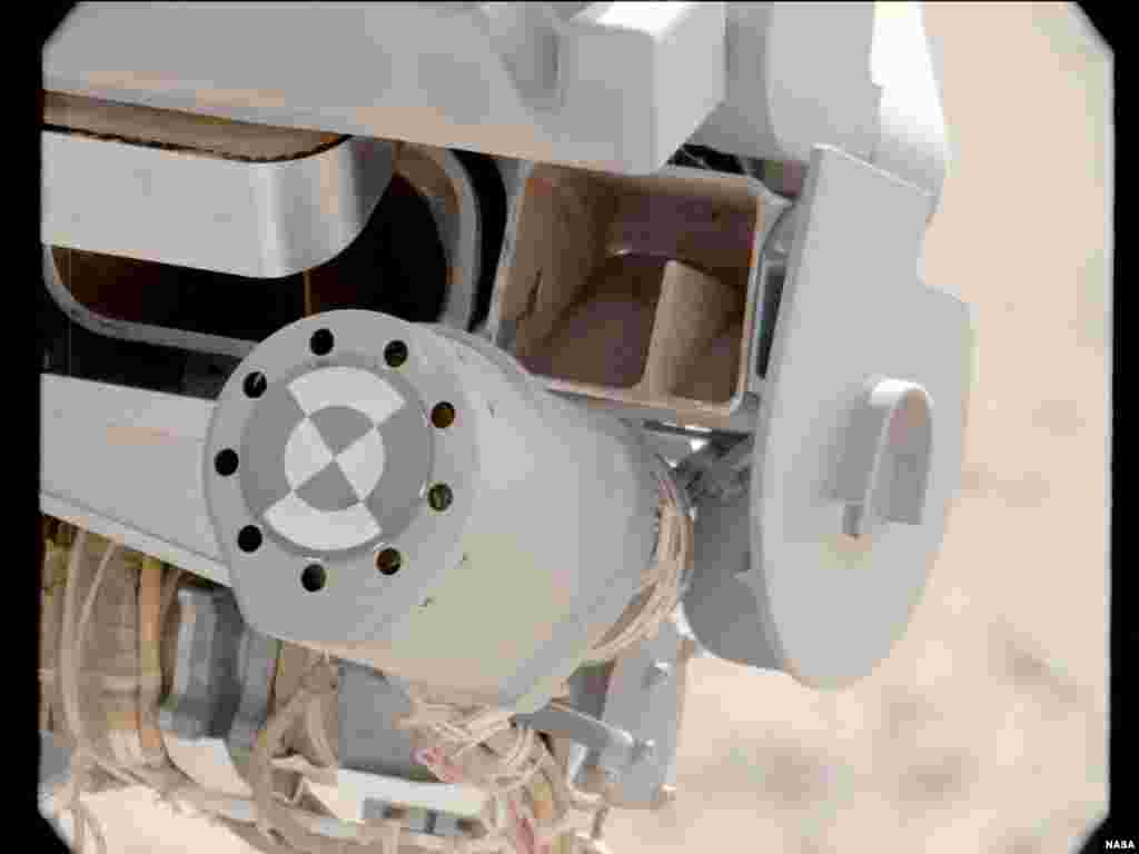 """This image shows fine sand from Mars that was filtered by NASA's Curiosity rover as part of its first """"decontamination"""" exercise, October 10, 2012."""