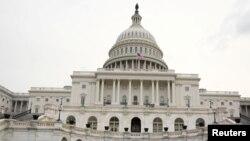 Cualquier propuesta de inmigración necesitará tres quintos de respaldo para avanzar en el Senado, donde los republicanos tienen una escasa mayoría de un escaño.