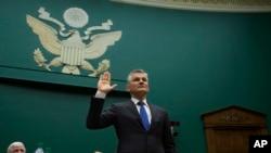 Michael Horn, jefe ejecutivo de Volkswagen en EE.UU. testificó ante el Congreso el jueves, 8 de octubre de 2015.