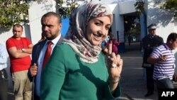 突尼斯人刚投完票