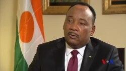 Mahamadou Issoufou demande aux Occidentaux de finir le travail en Libye