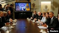 Tổng thống Hoa Kỳ Barack Obama họp nội các bàn về các ứng phó với Ebola.