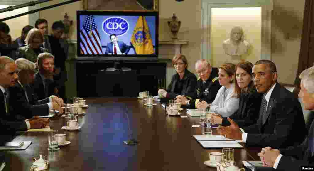 صدر اوباما نے ایبولا سے زیادہ متاثر ہونے والے تین ممالک (گنی، لائبیریا اور سیرالیون) کے لیے مزید امداد فراہم کرنے پر زور دیا۔