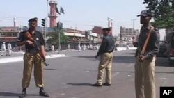 کراچی میں مختلف مقامات پر پولیس اہلکاروں کی اضافی نفری تعینات