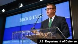 라이언 맥카시 미 육군장관이 10일 워싱턴 브루킹스연구소에서 미군의 인도태평양 전략에 관해 강연했다.