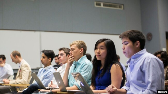 Des étudiants étrangers à Stanford, le 11 mars 2014.