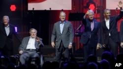 Shugabannin Amurka da su ka gabata: Jimmy Carter, da George W. Bush da George H. W. Bush da Bill Clinton da Kuma Barack Obama