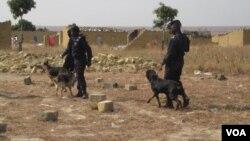 Angola Polícia Brigada Canina