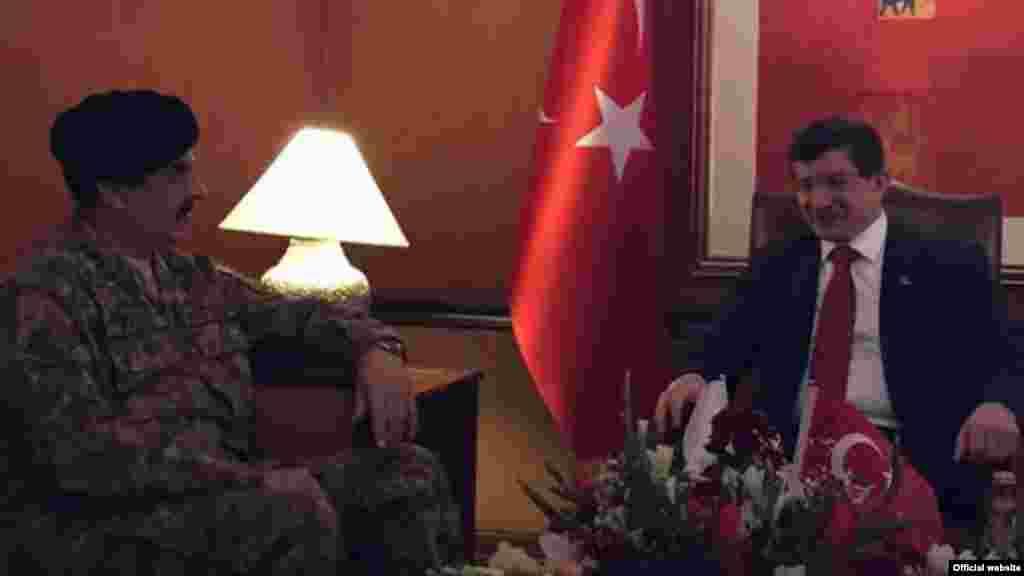ترکی کے وزیراعظم احمد داؤد اغلو نے پاکستانی فوج کے سربراہ جنرل راحیل شریف سے بھی ملاقات کی۔