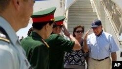 Panetta Visits Vietnam