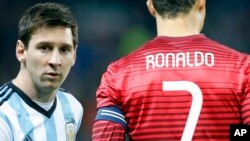 Messi / Ronaldo