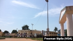 Bangui, ville morte, le 24 octobre 2016. (VOA/Freeman Sipila)